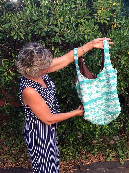sac de plage wax africain Bénin coton tissu vacances coloré fourre-tout batik turquoise blanc