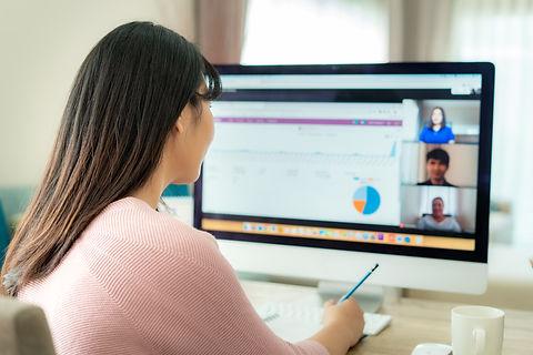 women working women computer women empowerment data science data scientist kadın çalışan kadın mühendis işe alım