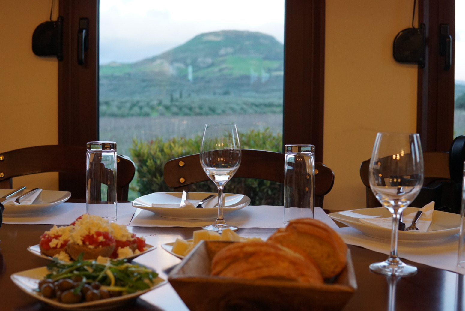 Wine and Dine like a local