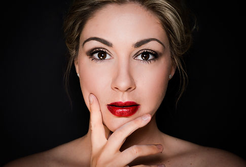 portrait photography, social media, dating profile pictures, professional photographer, red lips, makeup, skin, eyes, beauty, black background, professional portrait photo, head shot