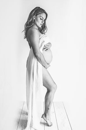 maternity, pregnancy, bump to baby, photo shoot, photographer, gown, white