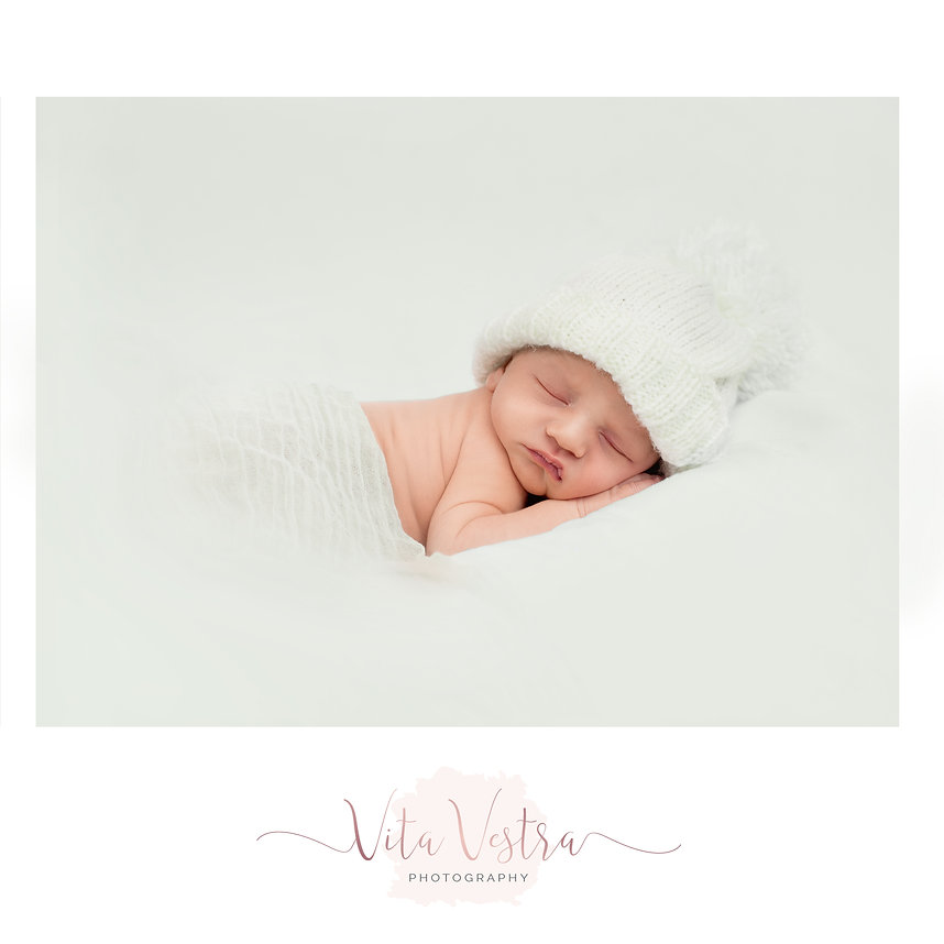 Newborn Photographer Gloucestershire, Worcestershire, Herforshire Baby photography