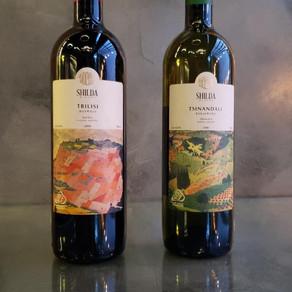 Ticiana Werner promove degustação de vinhos da Geórgia.