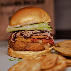 Nada convencional: hamburguerias investem em combinações inusitadas