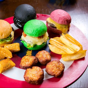 Dólar Furado lança combo promocional com quatro miniburgers, batatas e nuggets