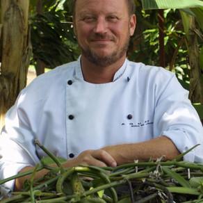 """Chef Simon Lau prepara """"Jantar no Cerrado """" com vinhos naturais."""