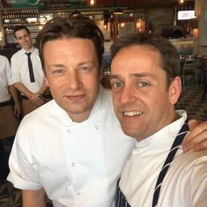 Jamie Oliver lança nova marca de restaurantes e a primeira unidade é no Brasil