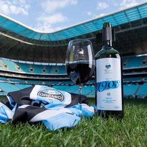 Torcida gremista é a primeira do Brasil a ter acesso a clube de vinhos exclusivos