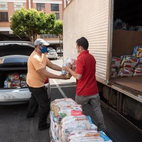 Shoppings do DF se juntam para arrecadar 10 toneladas de alimentos para famílias carentes.