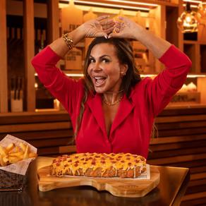A RAINHA VOLTOU: Royal Cheese Ribs retorna ao menu do Outback apresentada por Gretchen
