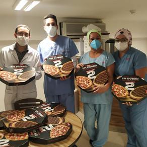 No Dia da Enfermagem, profissionais de 10 hospitais do DF comemoram com pizza