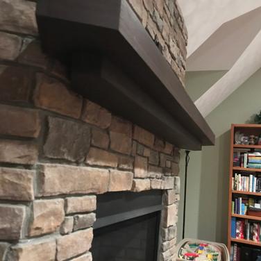 Floating fireplace mantel