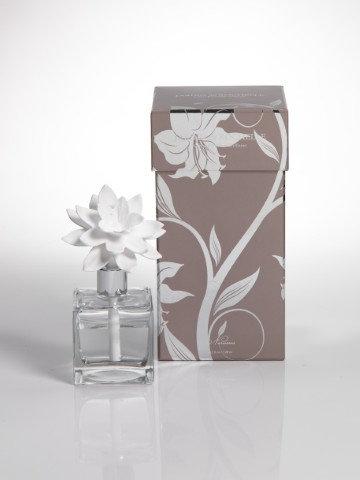porcelain flower diffuser