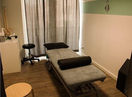 Behandlungsraum 3a.jpg