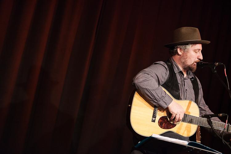 Dominik Plangger, Singer-, Songwriter