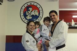 Taekwondo família.jpg