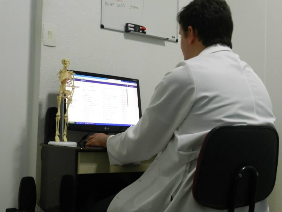 Dr Leonardo Canaver