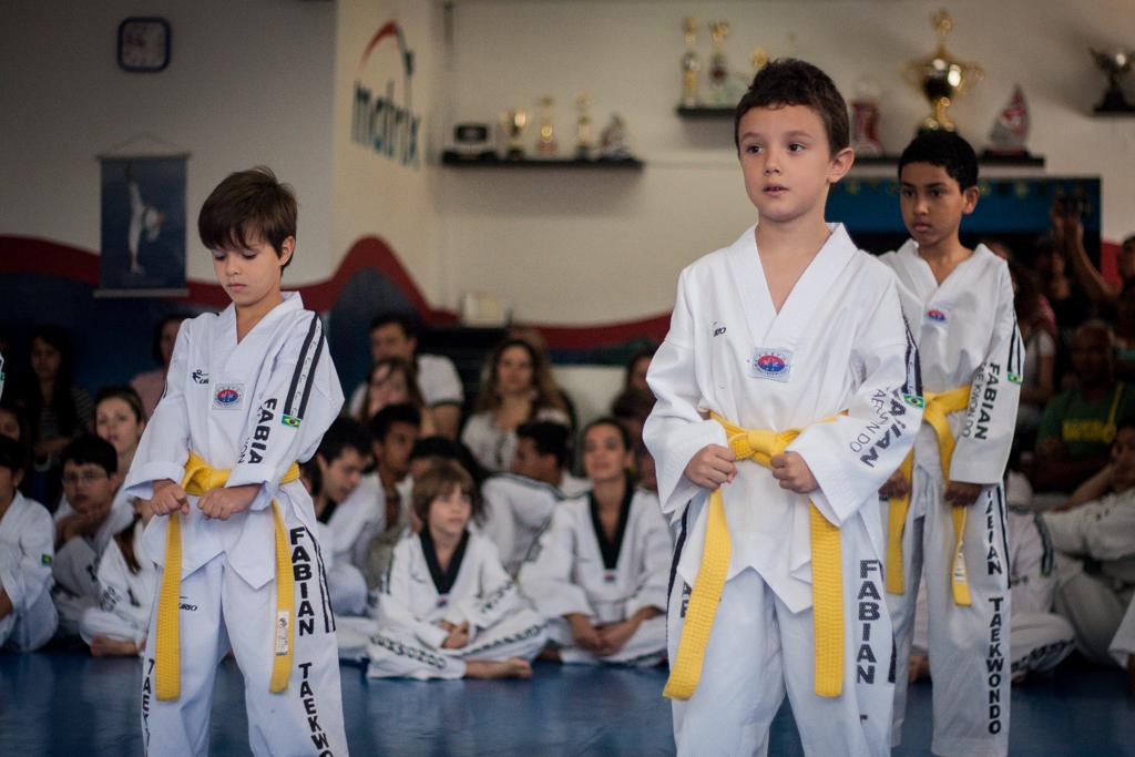 Taekwondo troca de faixa