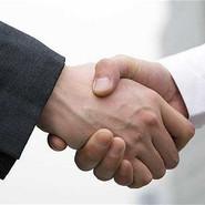 handshake_2083366b.jpg