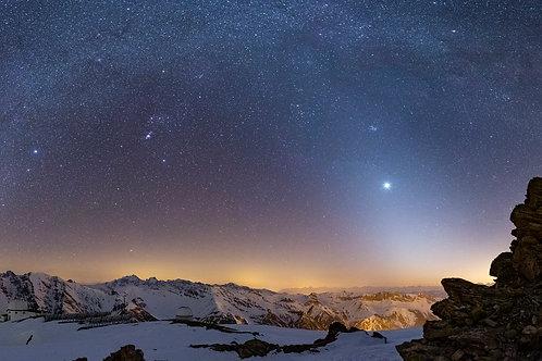 Arche galactique et lumière zodiacale