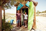 ANA AND DANIEL SURF TEACHERS COMPORTA