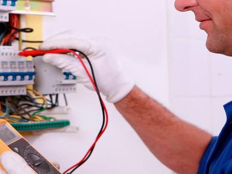 Sigue estos 5 consejos y protege a tu familia de accidentes eléctricos