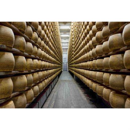 Parmigiano Reggiano, Grana Padano, Parmesan...