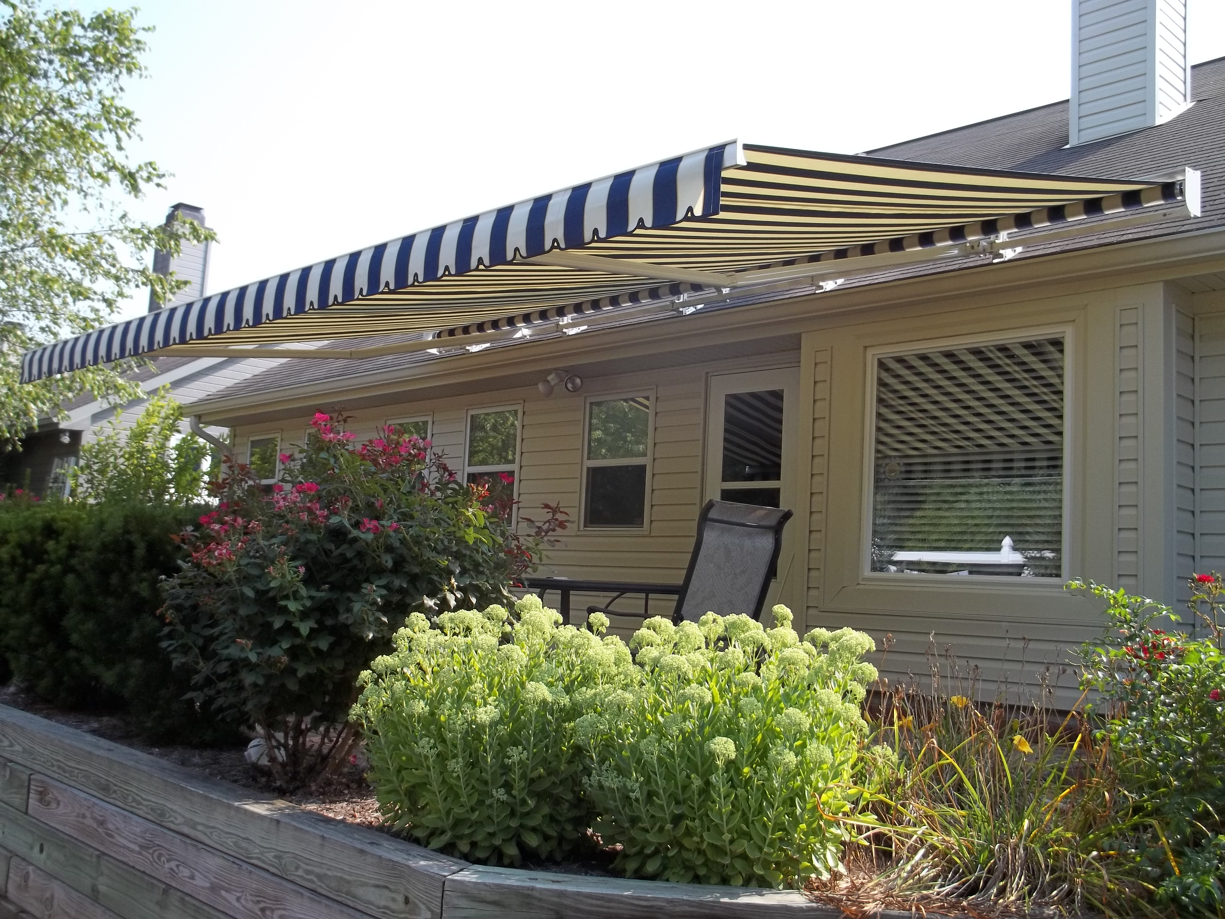 Retractable Awning - Roof Mount | Indianapolis, IN | Shade ...