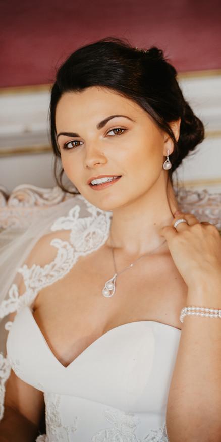 Soft and subtle bridal