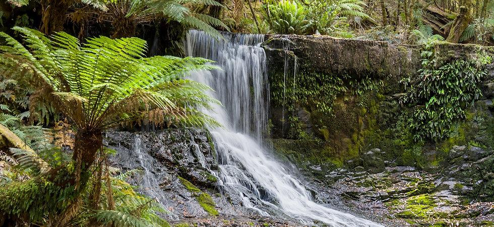 photodune-7035120-waterfall-tasmania-m_e