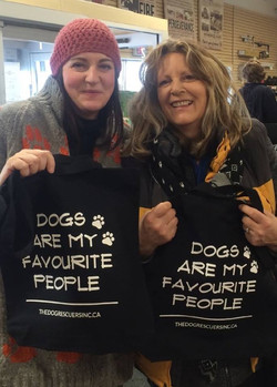 'Dogs are my favourite people' bags