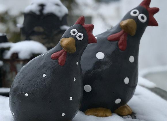 2 kække høns, kalkmalet - sorte