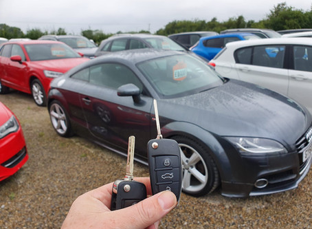 3 BUTTON AUDI TT KEY CUT AND PROGMRAMED WHILE YOU WAIT