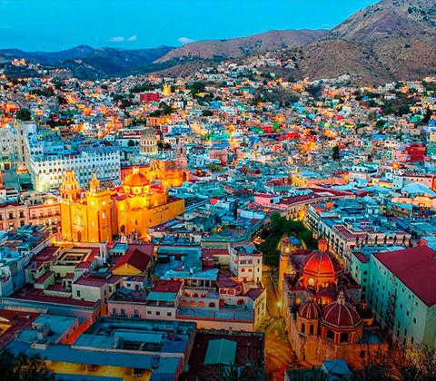 Vista aérea y colorida de ciudad de Guanajuato