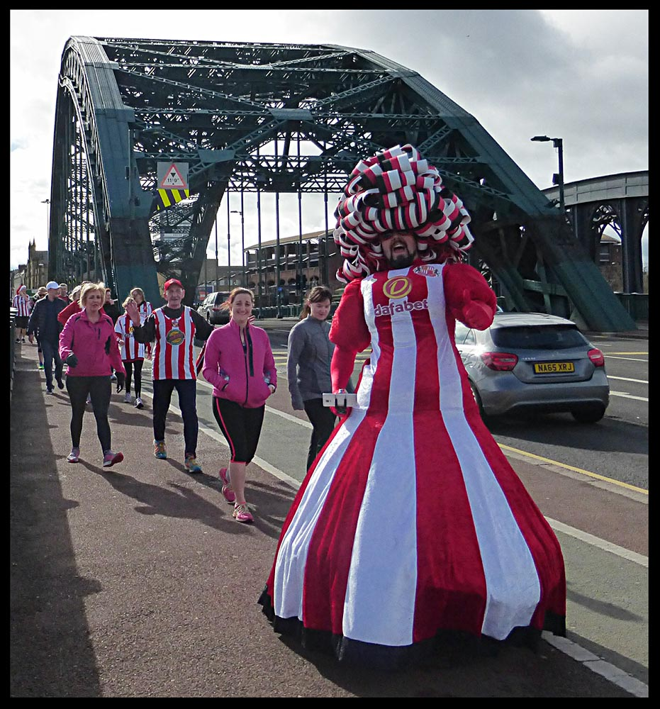 Big-Pink-Dress-THAT-Branding-Company-Sunderland-10km-2017-00079