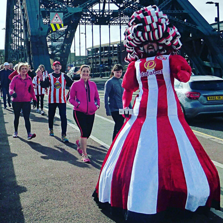 Big-Pink-Dress-THAT-Branding-Company-Sunderland-10km-2017-00034
