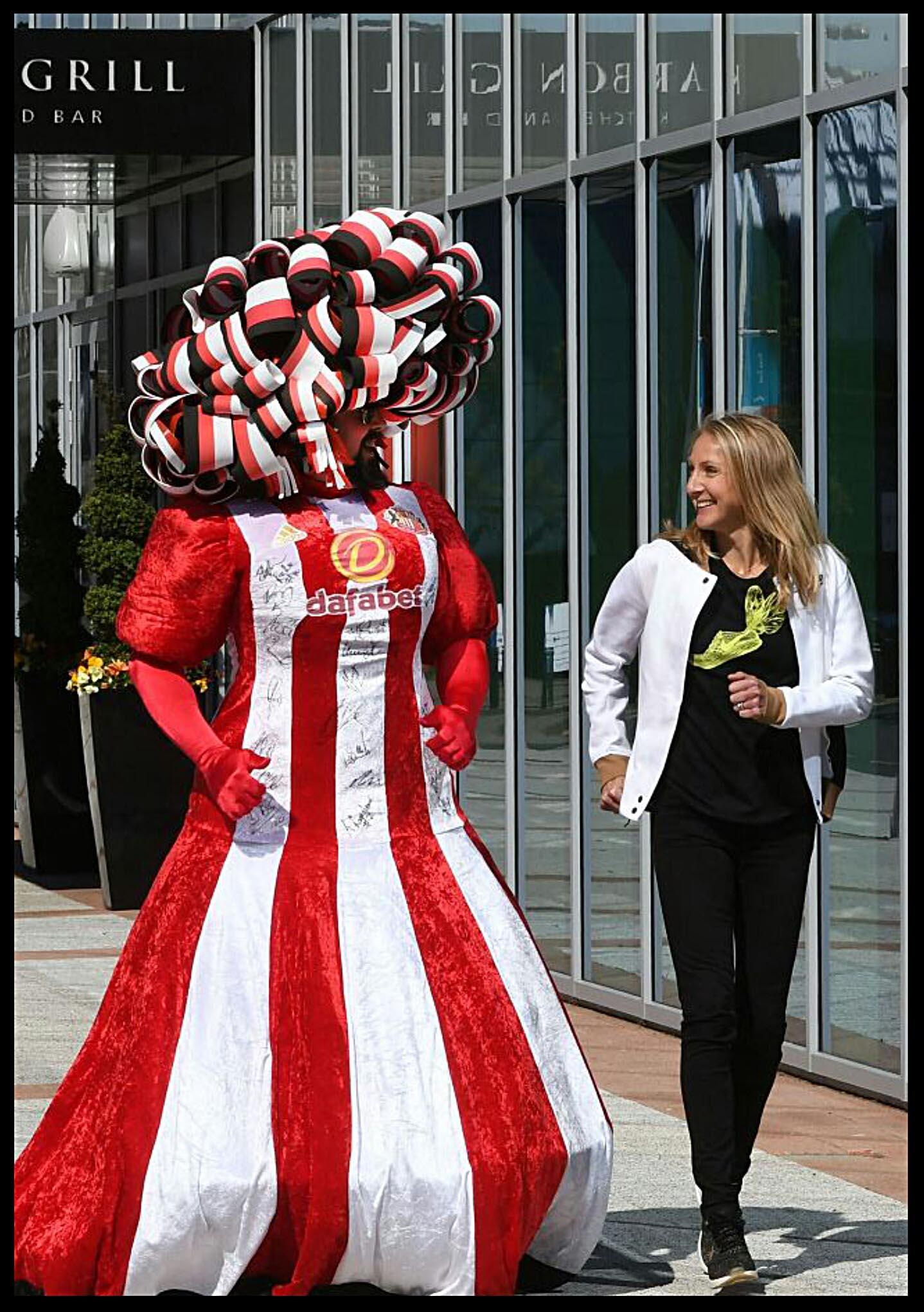 Big-Pink-Dress-THAT-Branding-Company-Sunderland-10km-2017-00145