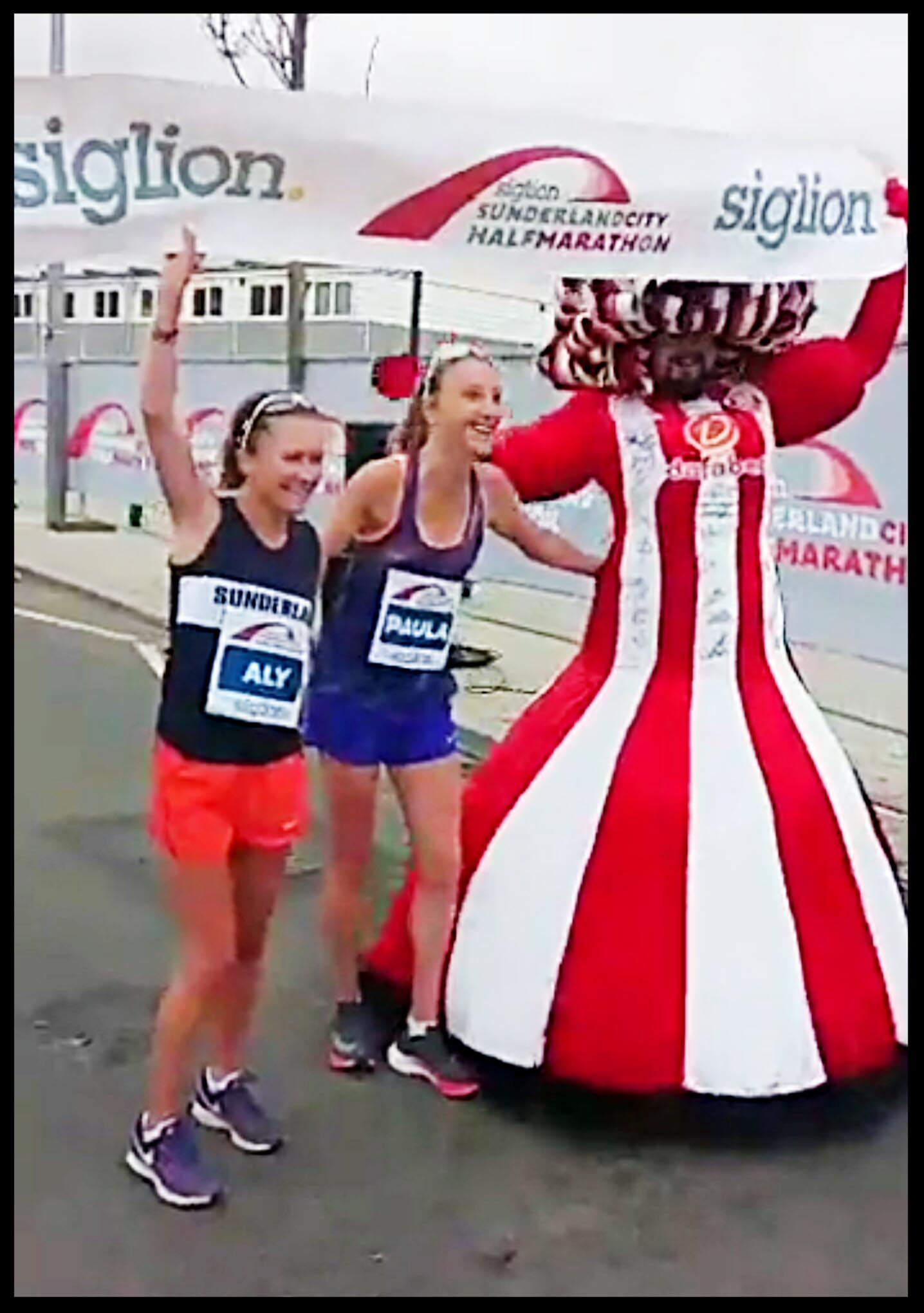 Big-Pink-Dress-THAT-Branding-Company-Sunderland-10km-2017-00129
