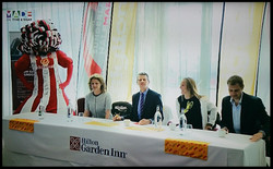 Big-Pink-Dress-THAT-Branding-Company-Sunderland-10km-2017-00097
