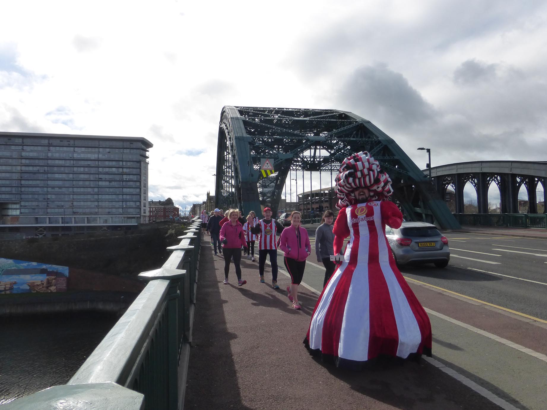 Big-Pink-Dress-THAT-Branding-Company-Sunderland-10km-2017-00167