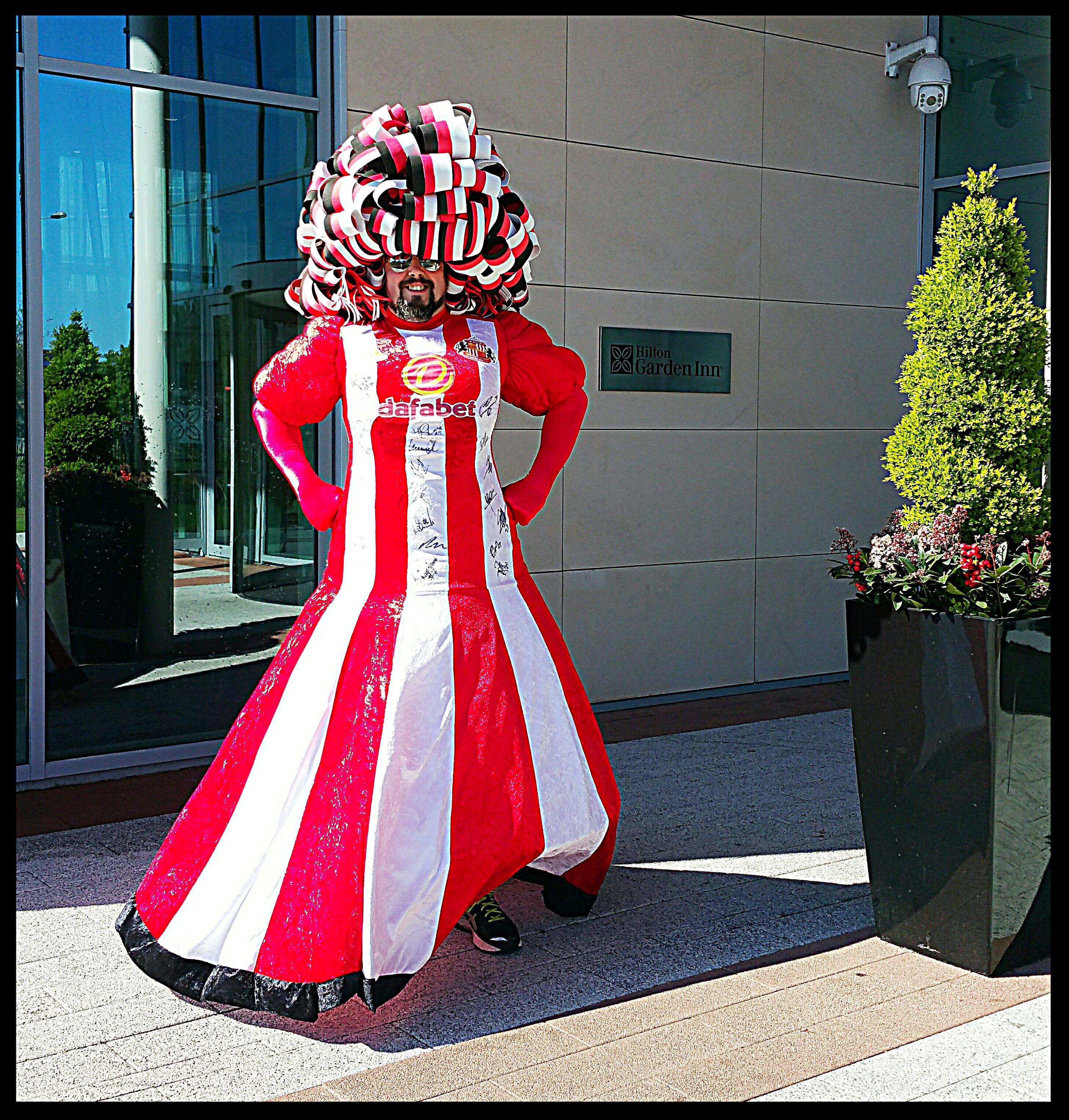 Big-Pink-Dress-THAT-Branding-Company-Sunderland-10km-2017-00138