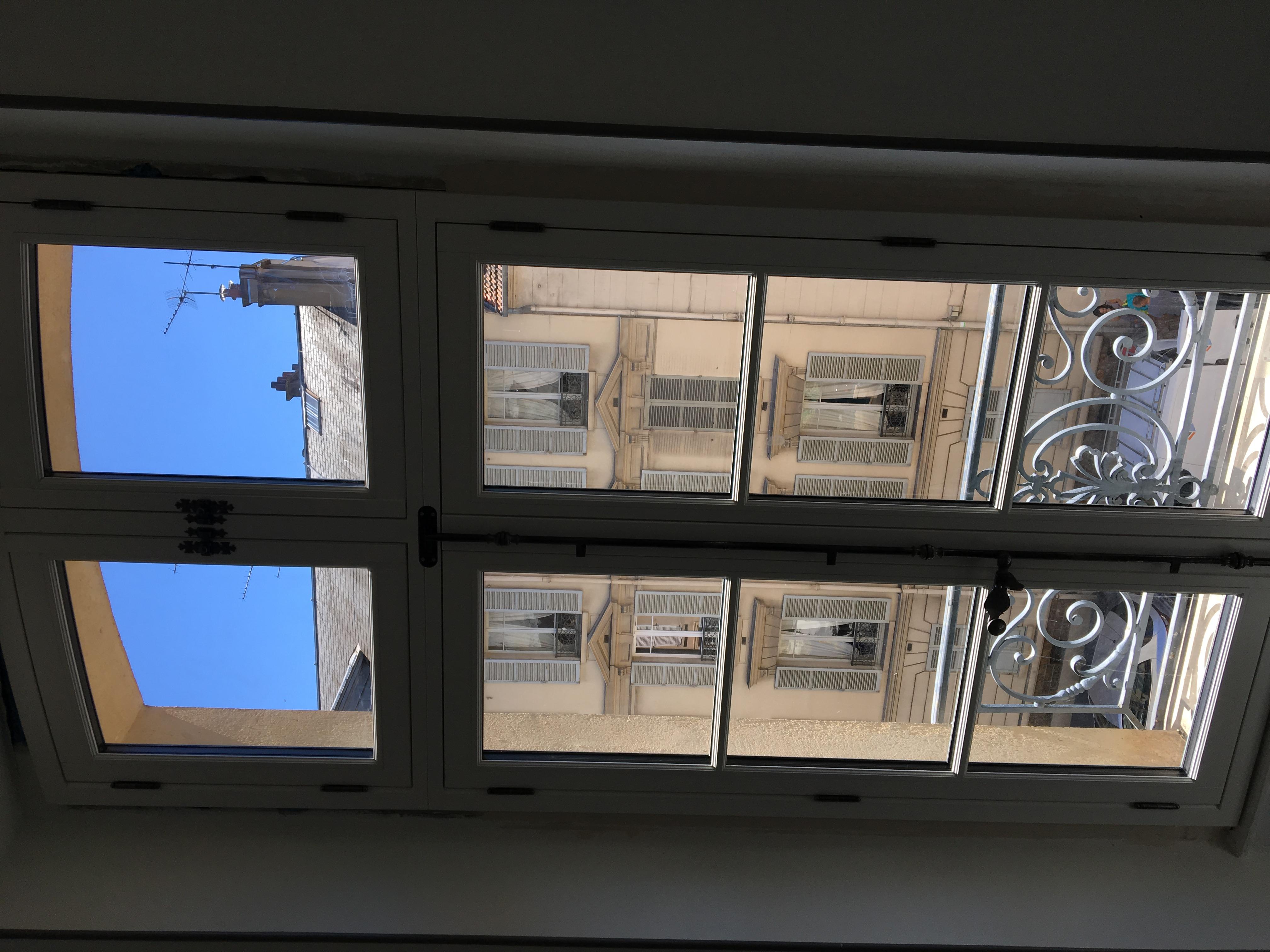 Fenêtre à deux vantaux avec imposte, gamme Patrimoine