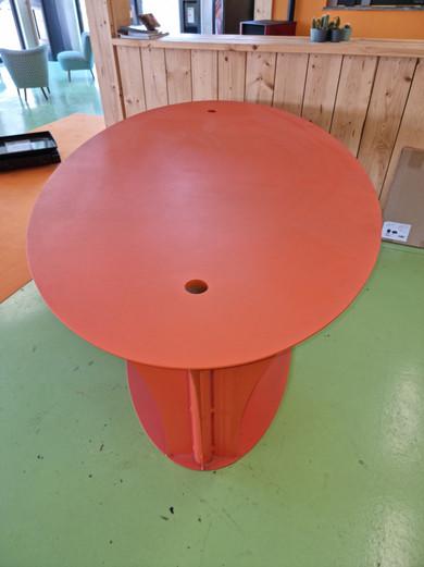 Table en acier