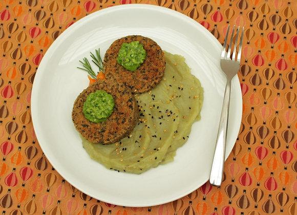 Hambúrguer de lentilha e cogumelo com pesto de rúcula e musseline de batata-doce