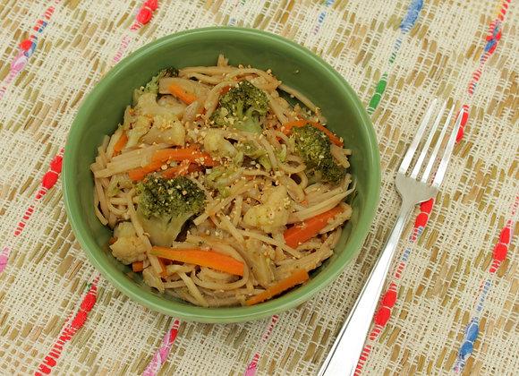 Yakissoba de vegetais com espaguete de palmito pupunha