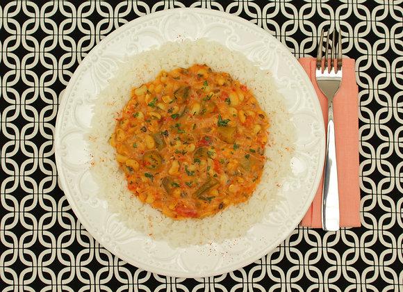 Bhindi Massla de feijão-fradinho e quiabo com arroz de coco