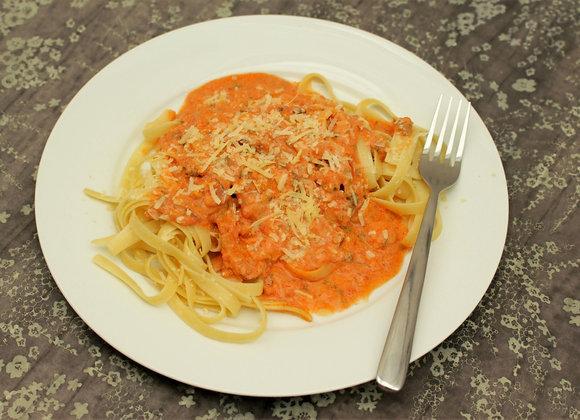Fettuccine ao molho Boscaiola com cogumelos, bacon e tomates