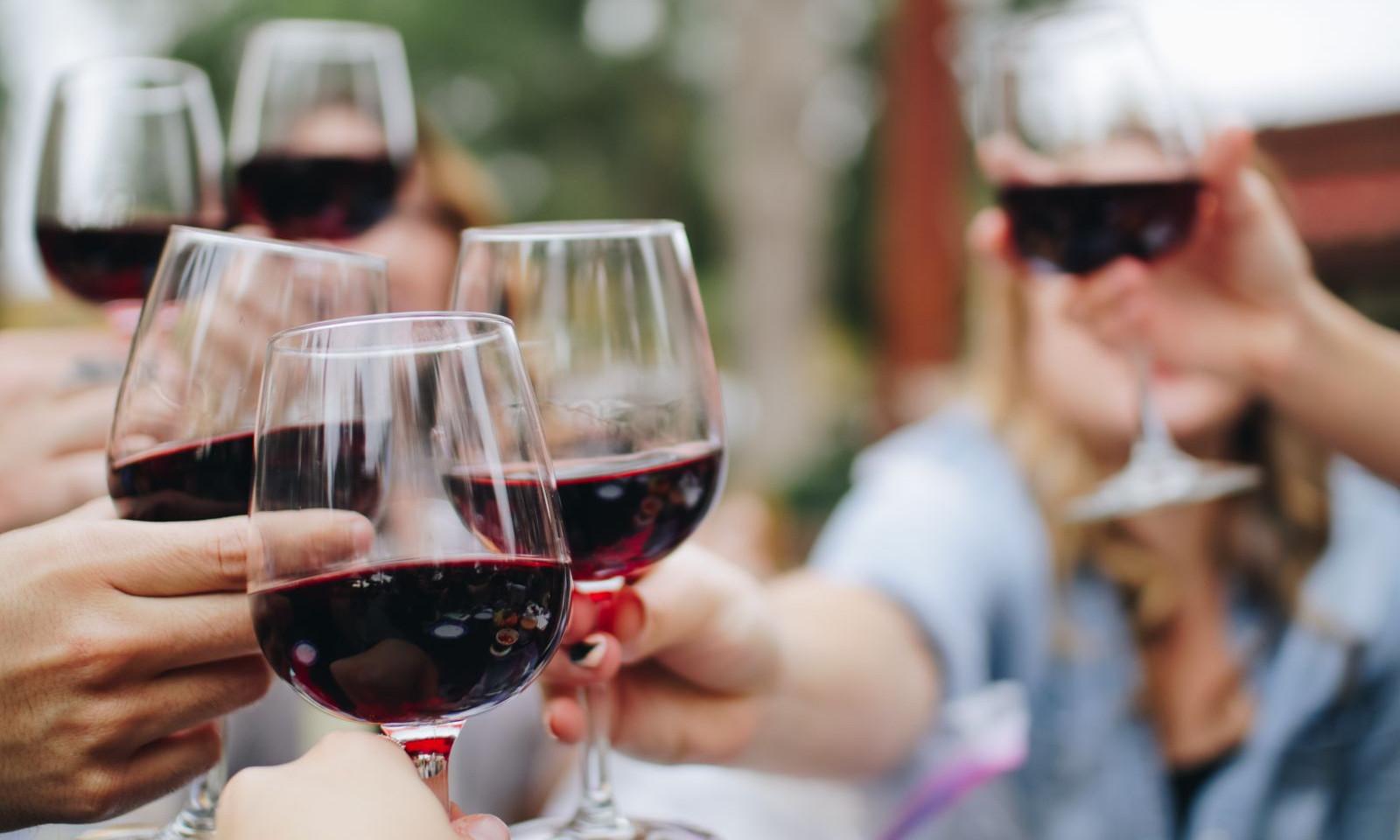 red-wine-winery-friends.jpg