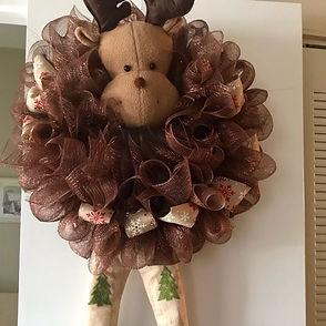 mesh moose wreath.JPG