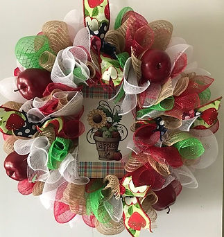 mesh apple wreath.jpg